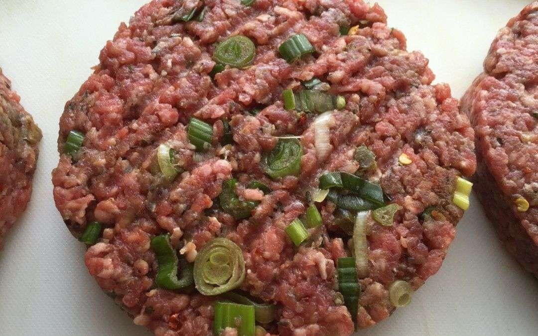 Burger Pattys mit Jalapeno